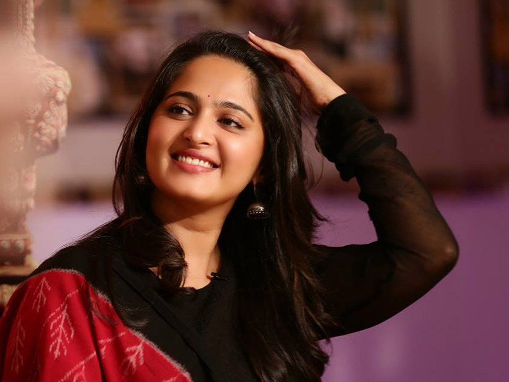anushka shetty hot photos, hd images with biography 1024x768