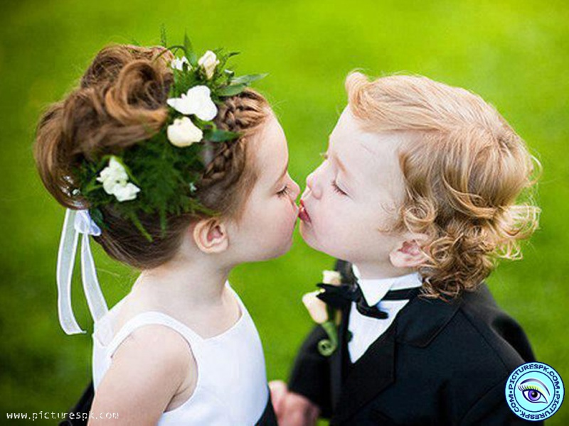Beautiful And Cute Baby Wallpapers  Cute Baby Kiss  Wallpaper 800x600