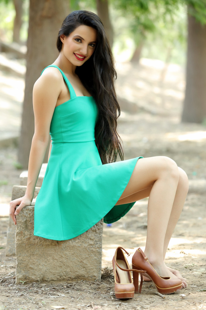 Bollywood Hd Hot Wallpapers 40 Wallpapers Adorable