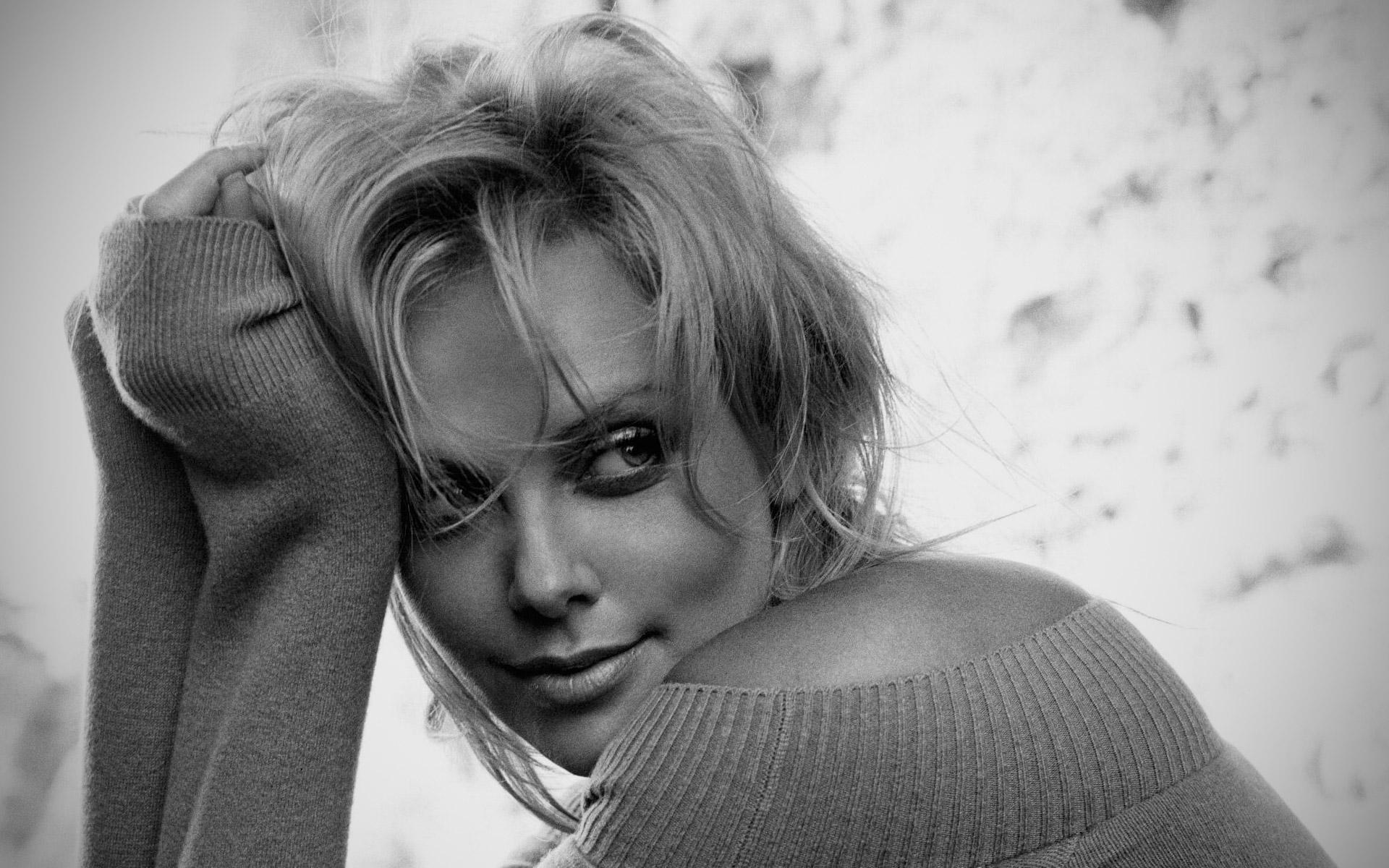 Charlize Theron Wallpapers CelebrityWallpapersHQ IPhone Wallpaper IPod HD Free Download 1920x1200