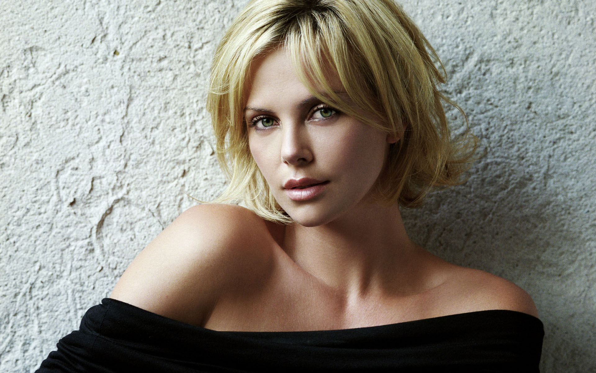 Charlize Theron Wallpapers HD 1920x1200