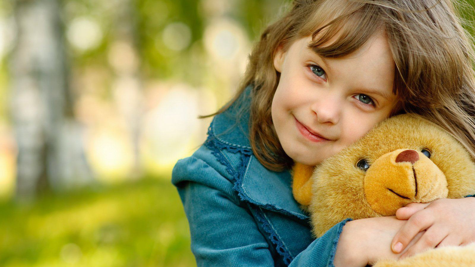 Cute Baby Wallpapers 1600x900