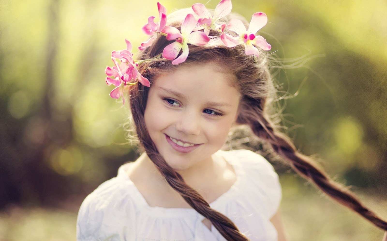 hd wallpaper aa cute little girl wallpaper funonsite 1600x1000