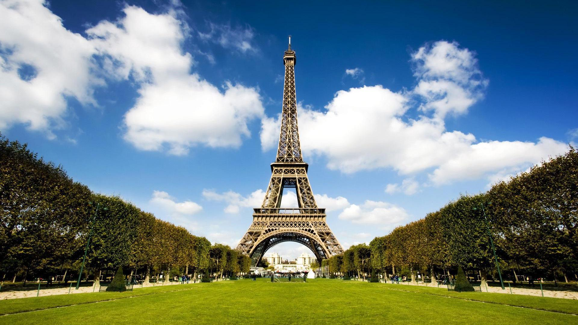 Eiffel Tower Backgrounds Wallpaper