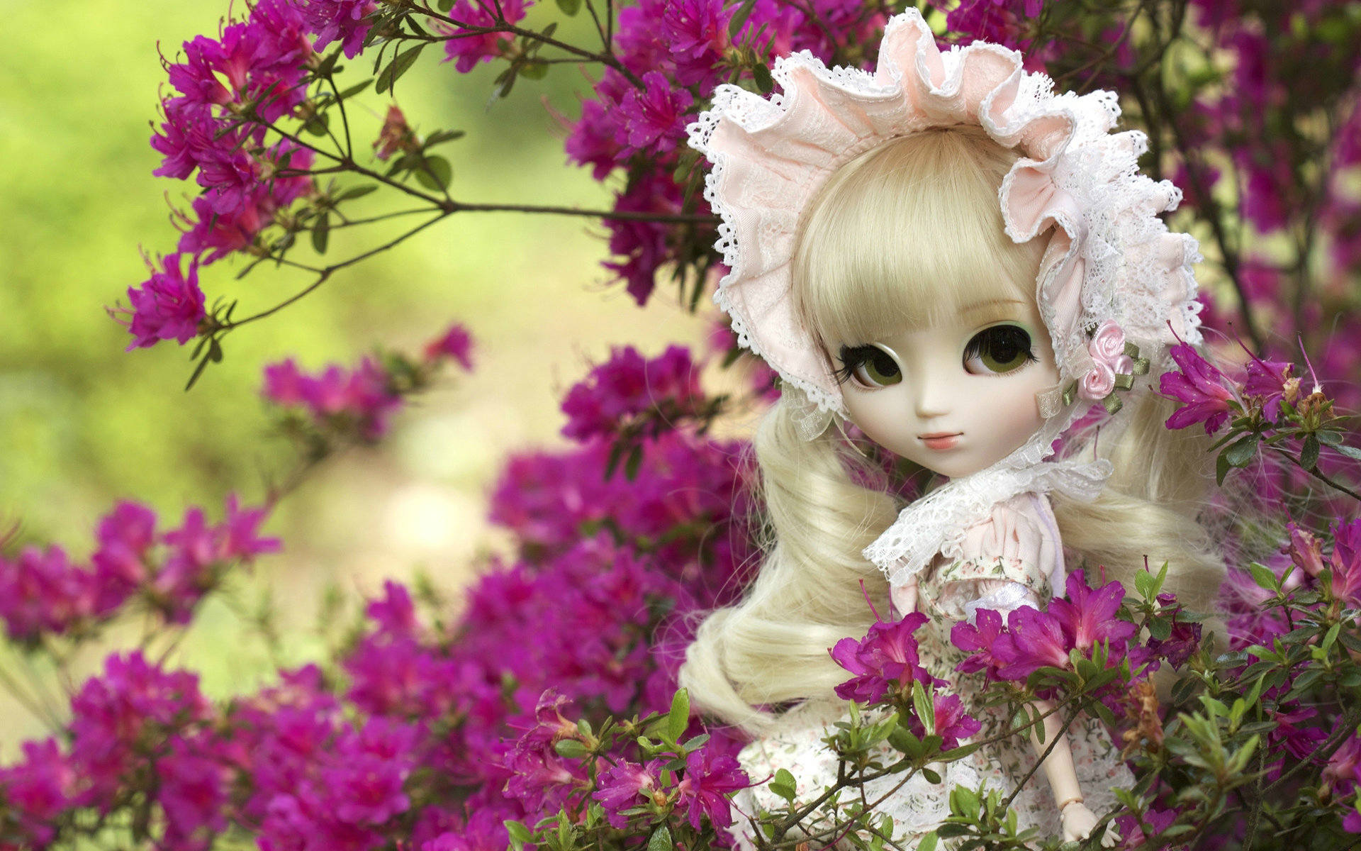 Very Cute Doll Wallpapers 1920x1200