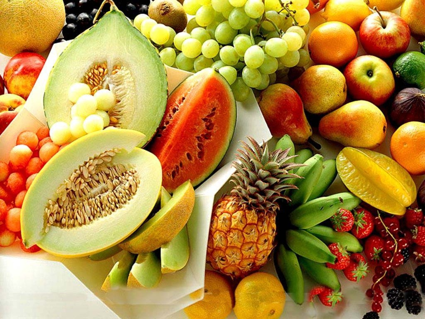 fruits D HD  Fresh fruits Wallpapers Pictures Photos Images 1366x1025