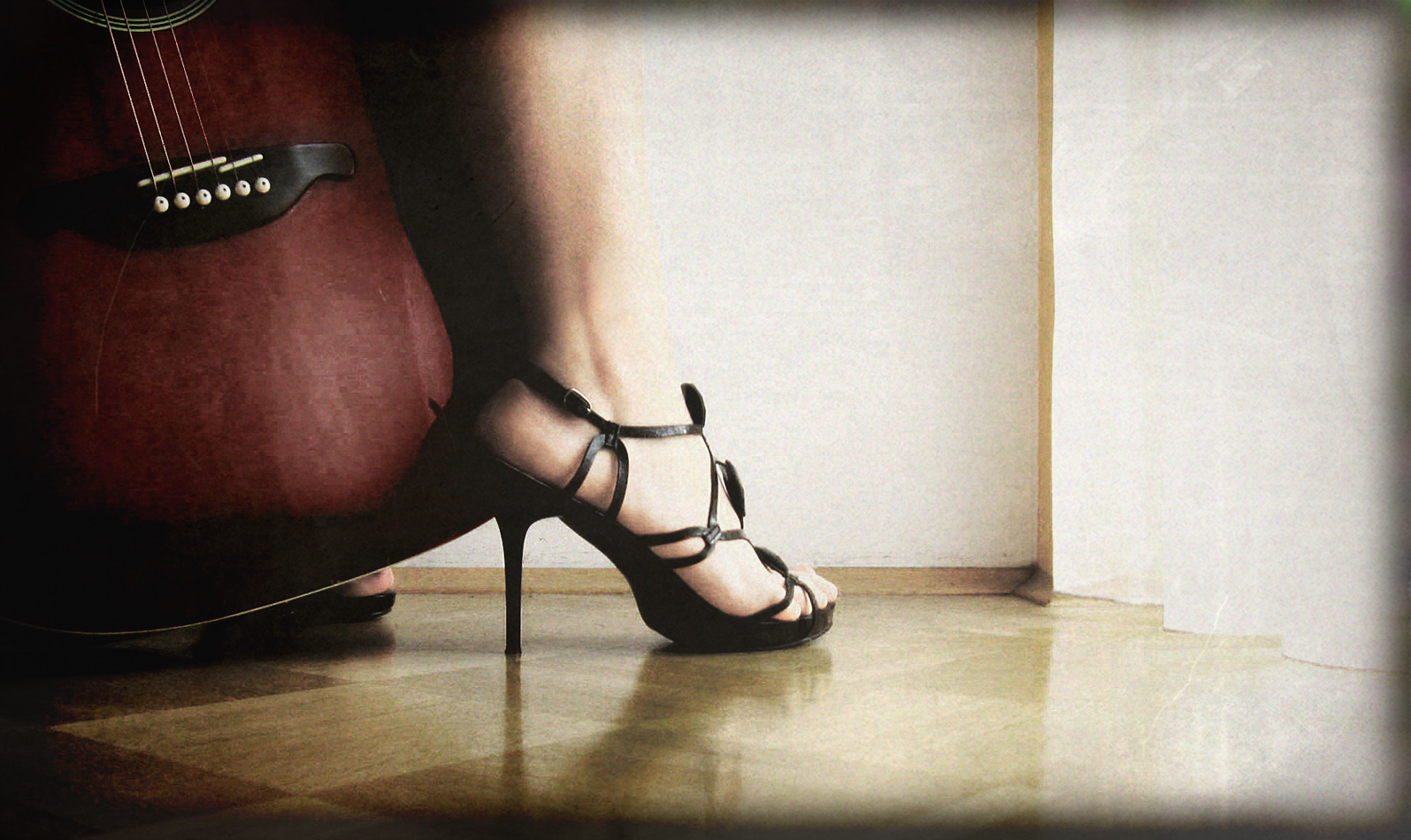 ♥Sexy Red Heels♥  Fashion  Entertainment Background Wallpapers 1595x950