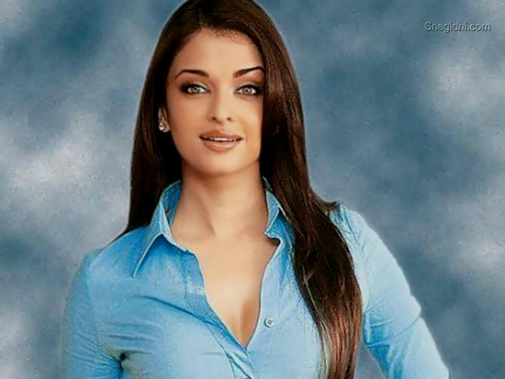 Esha Gupta Bollywood Actress Wallpapers Download Free Mrpopat 1024x768