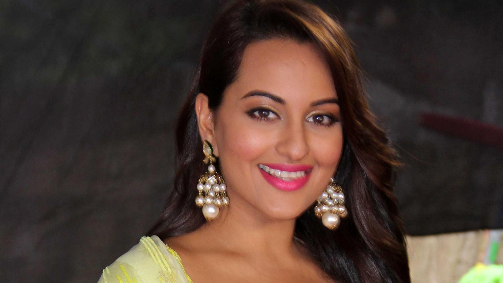 Bollywood Heroine Images Download For Mobile Wallpaper