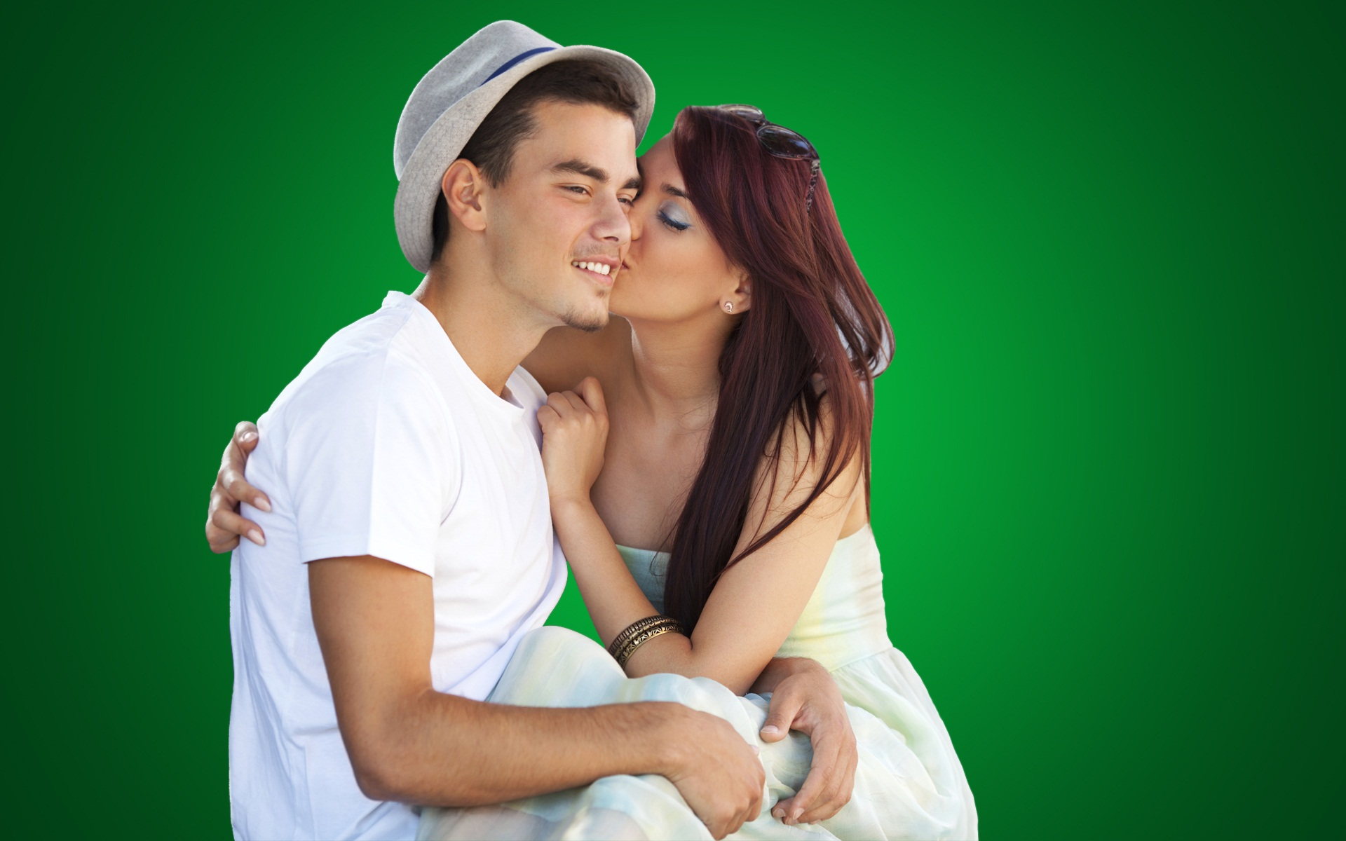 Download Hd Wallpapers Of Love Couple Passionate Lip To Lip Kiss
