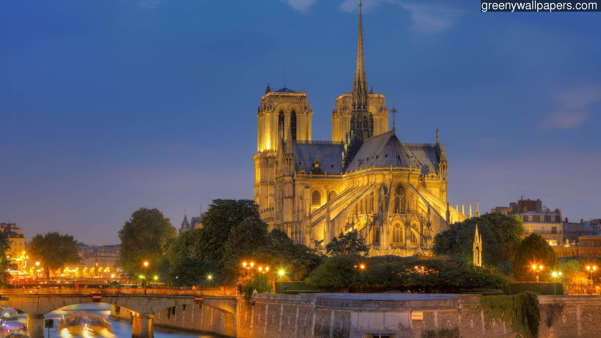 Notre Dame Cathedral Wallpaper   2048x1152