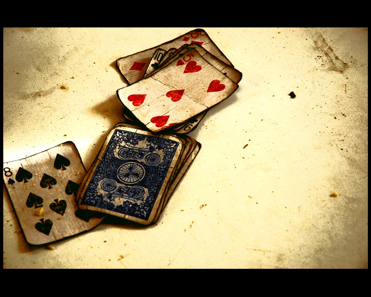 Cool Playing Card Wall Art Pictures Inspiration - The Wall Art ...