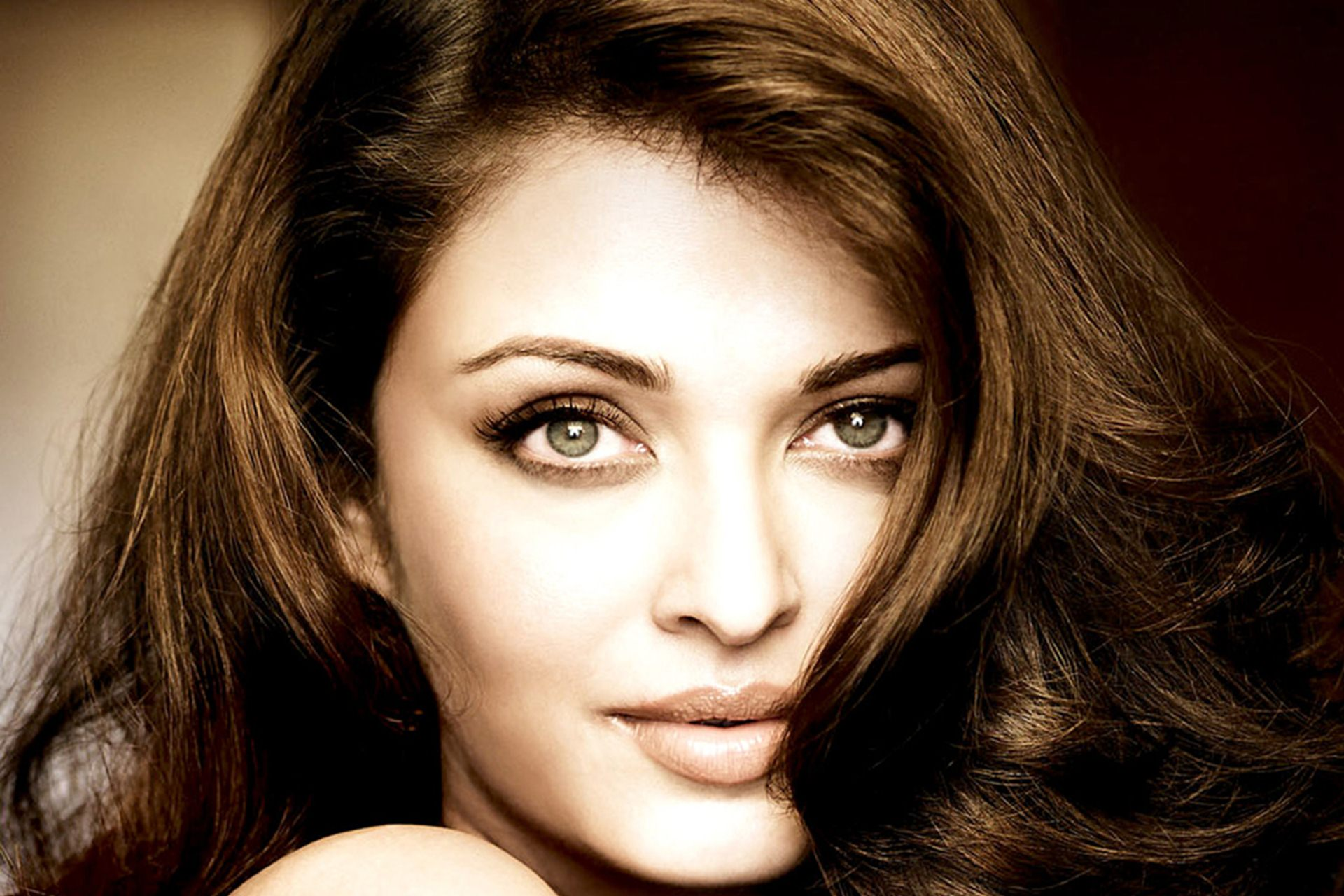 Aishwarya Rai Pictures HD Wallpapers Free 1920x1280
