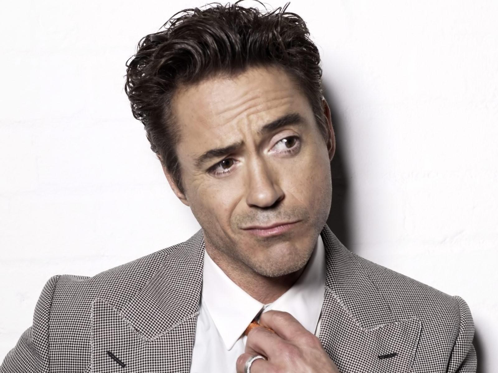 Robert Downey Jr Iron Man Wallpaper 1600x1200