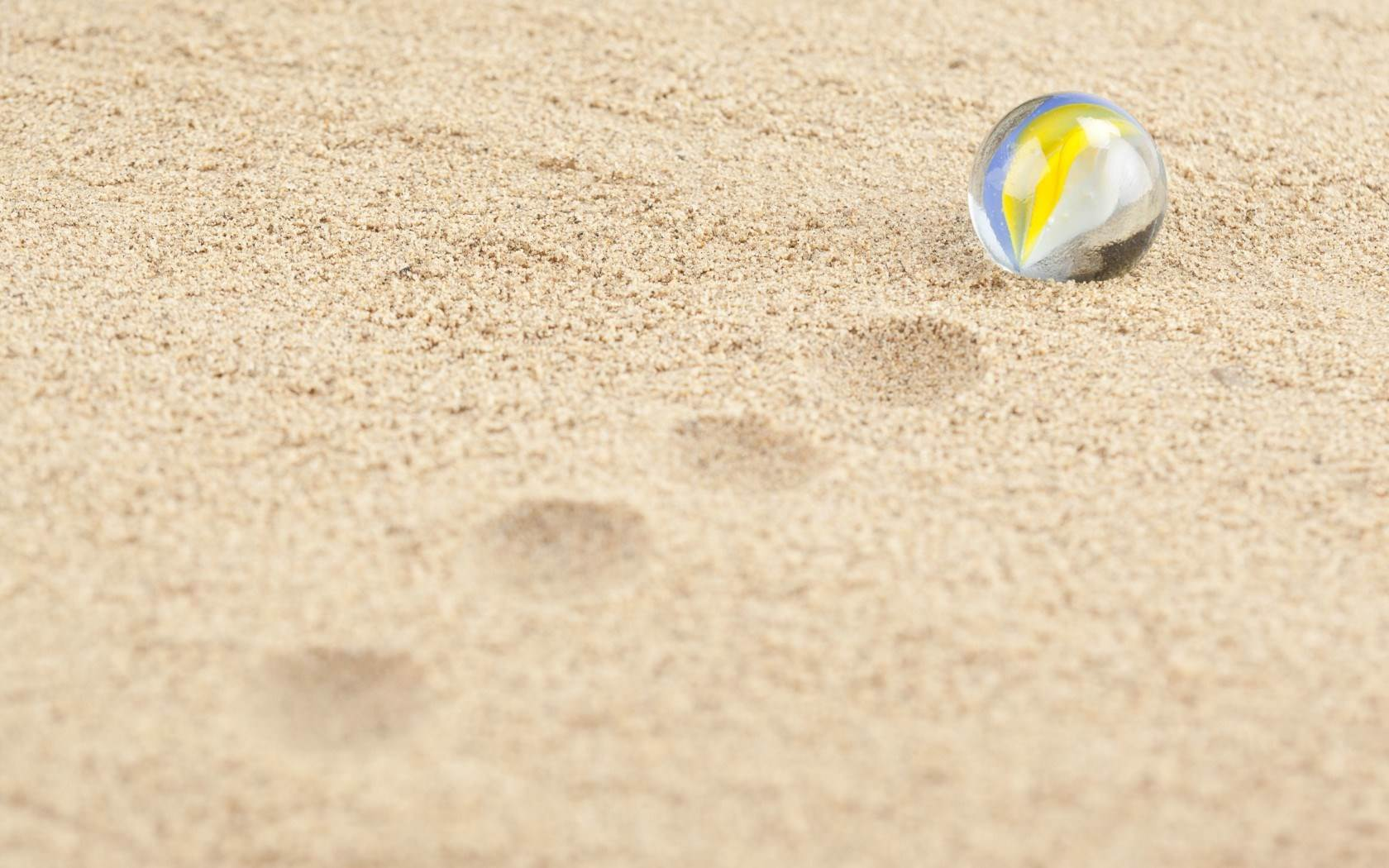 Beach Sand Wallpapers for Galaxy S.jpg 1680x1050