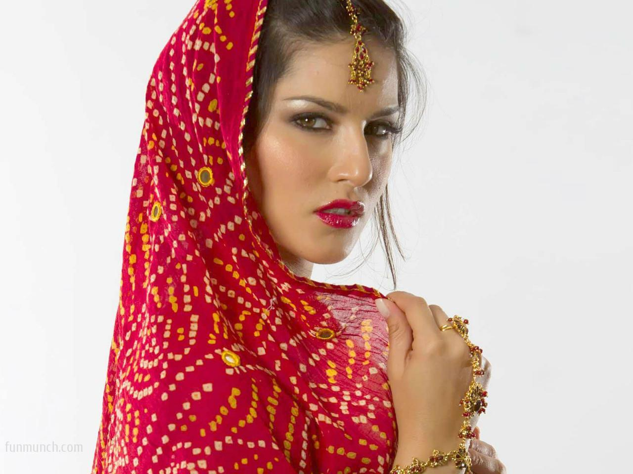 Sunny Leone HD Wallpapers  live wallpaper HD Desktop Wallpapers 1280x960