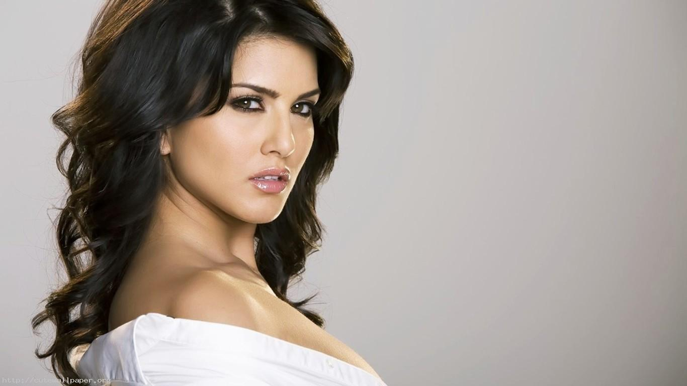 Sunny Leone Wallpapers, IOB K Ultra HD Wallpapers For Desktop 1366x768
