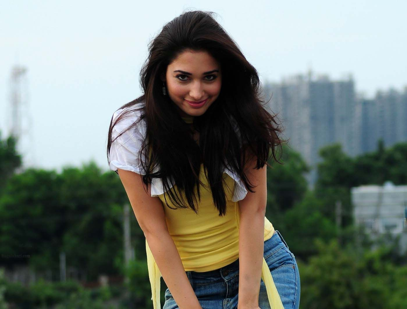 actress tamanna bhatia hot pictures and sizzling wallpapers hot