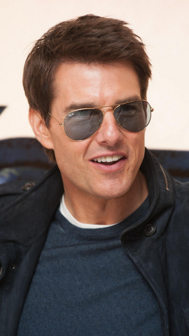 Charming Tom Cruise Hd Wallpapers Xwallpapers 660x1173
