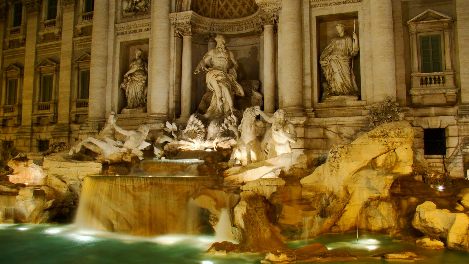 Last night in Italy Trevi Fountain Sculpture HD desktop wallpaper : Widescreen : High 1600x900