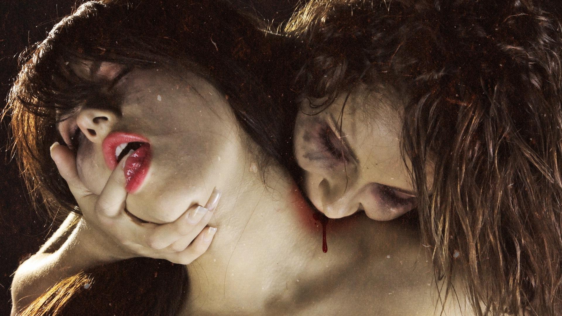 Смотреть эротику вампиры выше