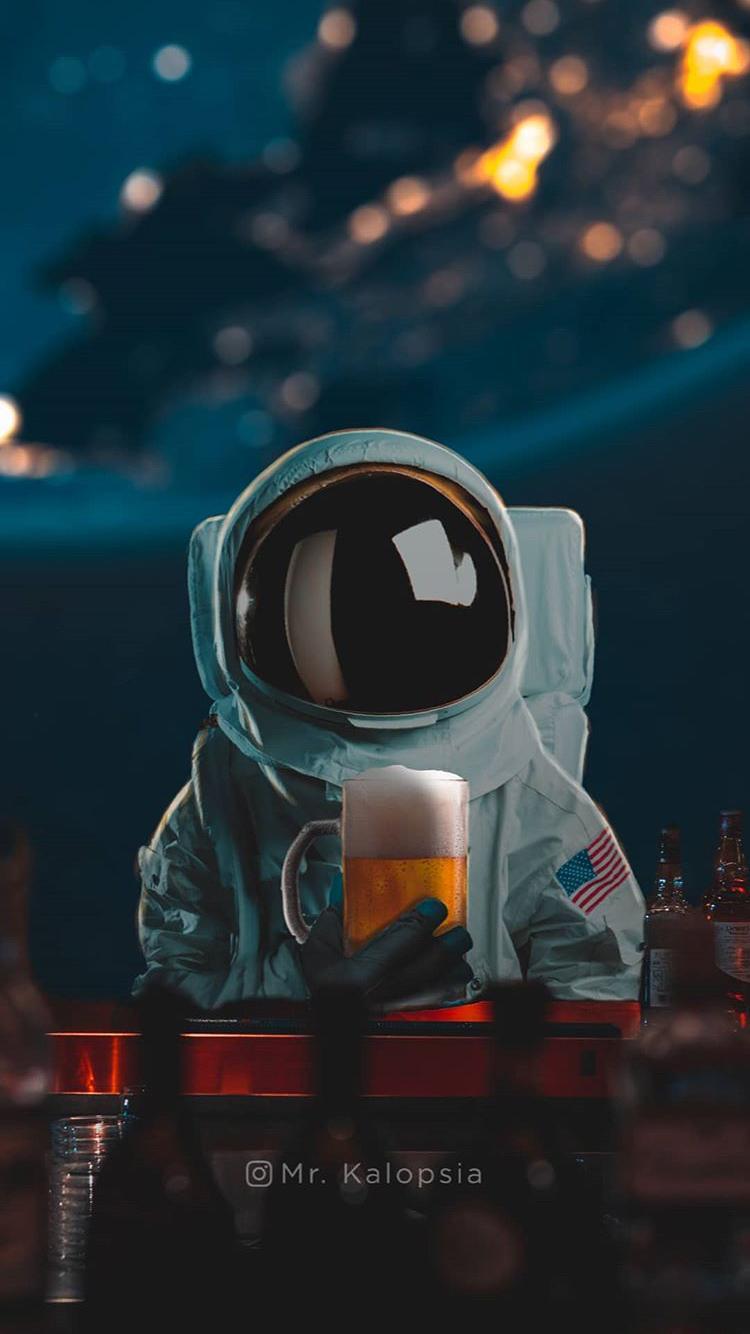 Astronaut wallpaper iphone hd42