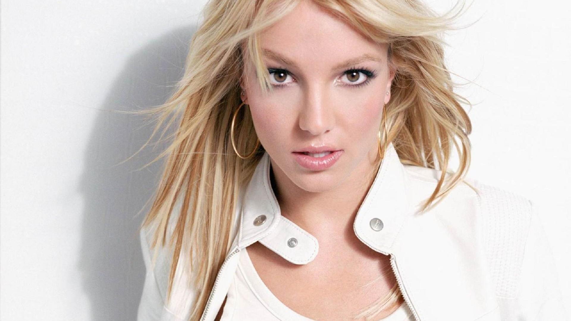 Britney Spears Femme Fatale Hd Desktop Wallpaper High