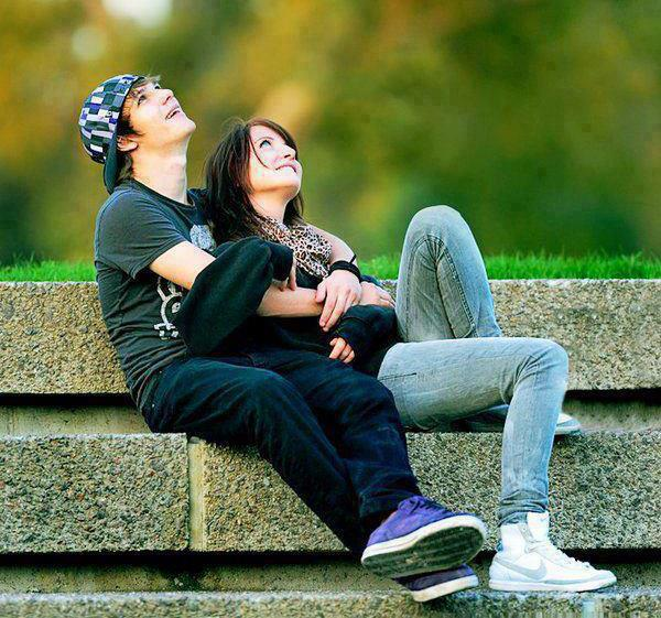 Cute Cartoon Couple Wallpapers For Mobile 600x561