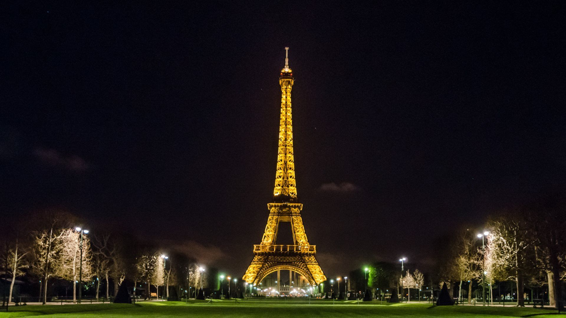 Eiffel Tower Cute Wallpapers Phone Scerbos Eiffel Tower At Night