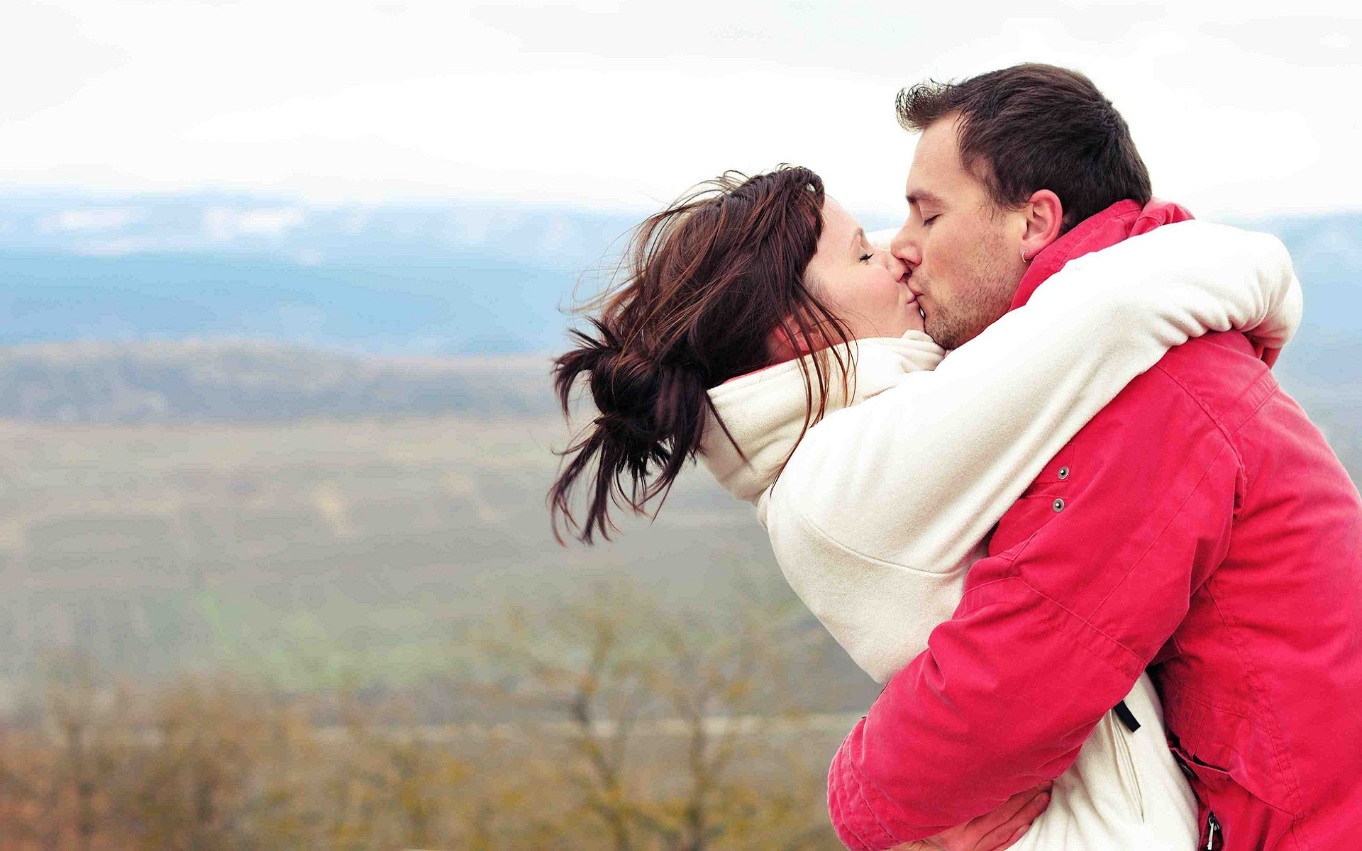group of romantic couple kissing wallpaper