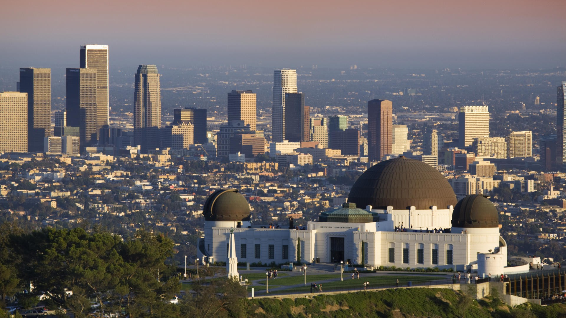 los angeles notebook essay The essay is about how the winds effect the people and causes them to they moved to los angeles planning to stay for only six months los angeles notebook.