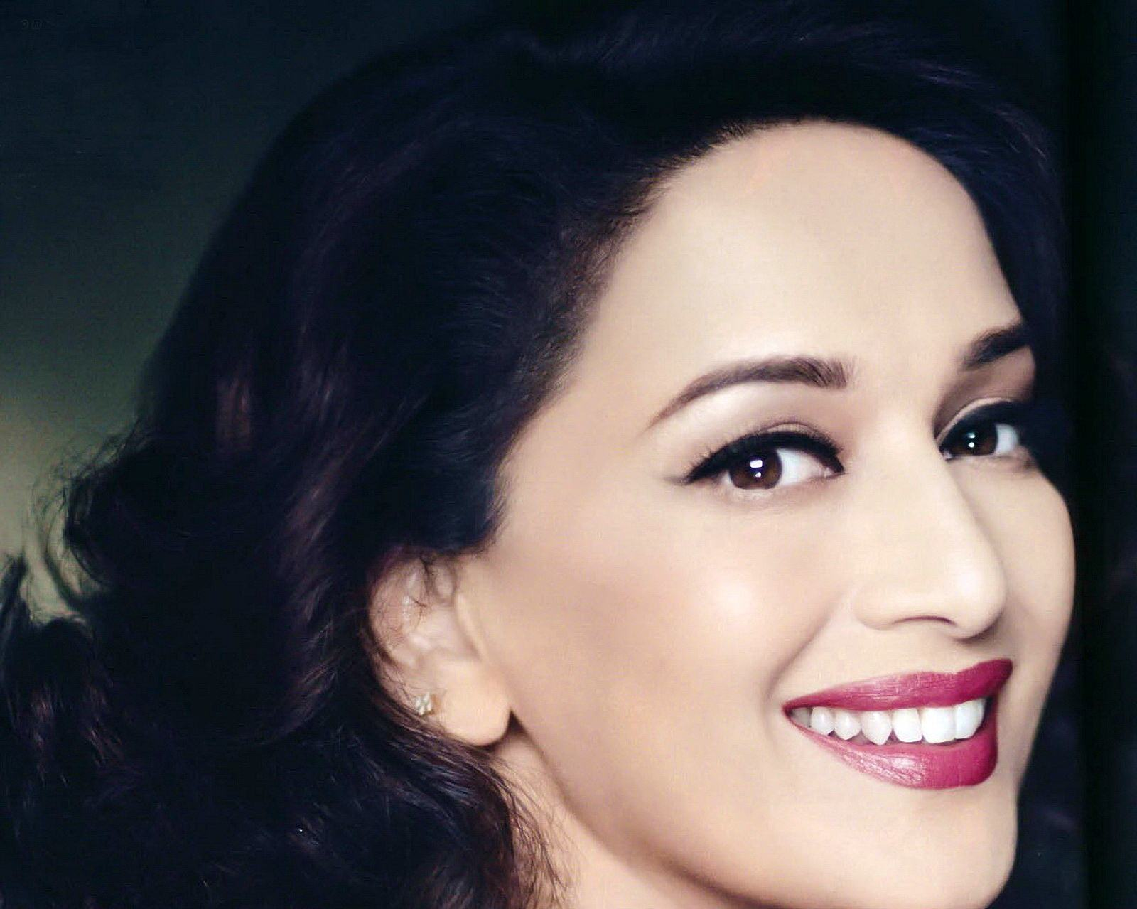 Madhuri Dixit Wallpapers High Resolution and Quality Download