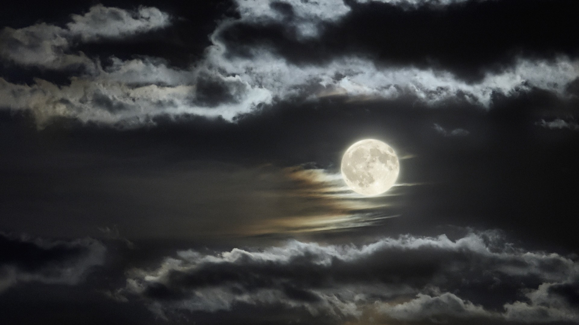 Moon-Wallpapers-HD-035.jpg