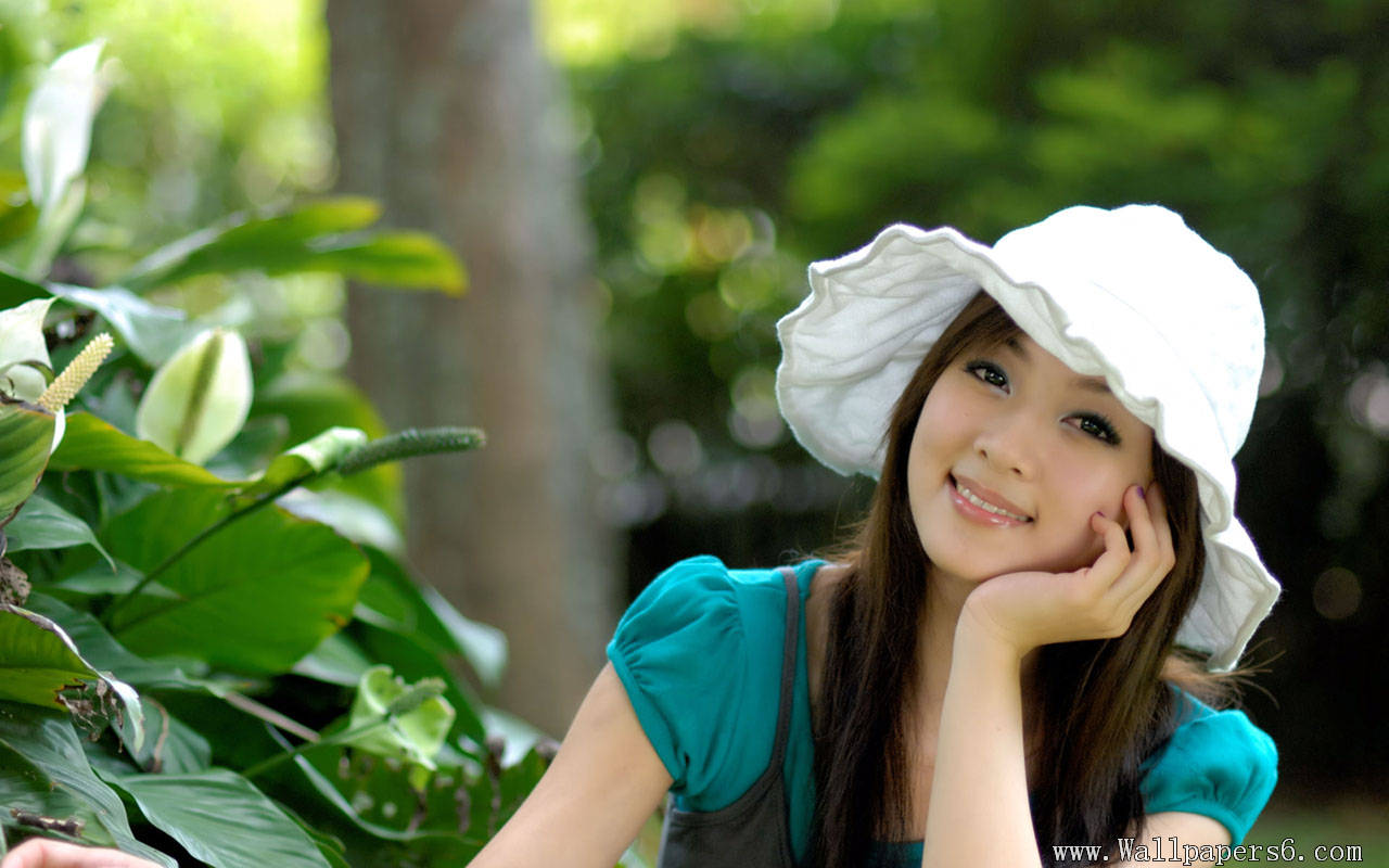 Cute Girl Wallpapers for Mobile   1280x800