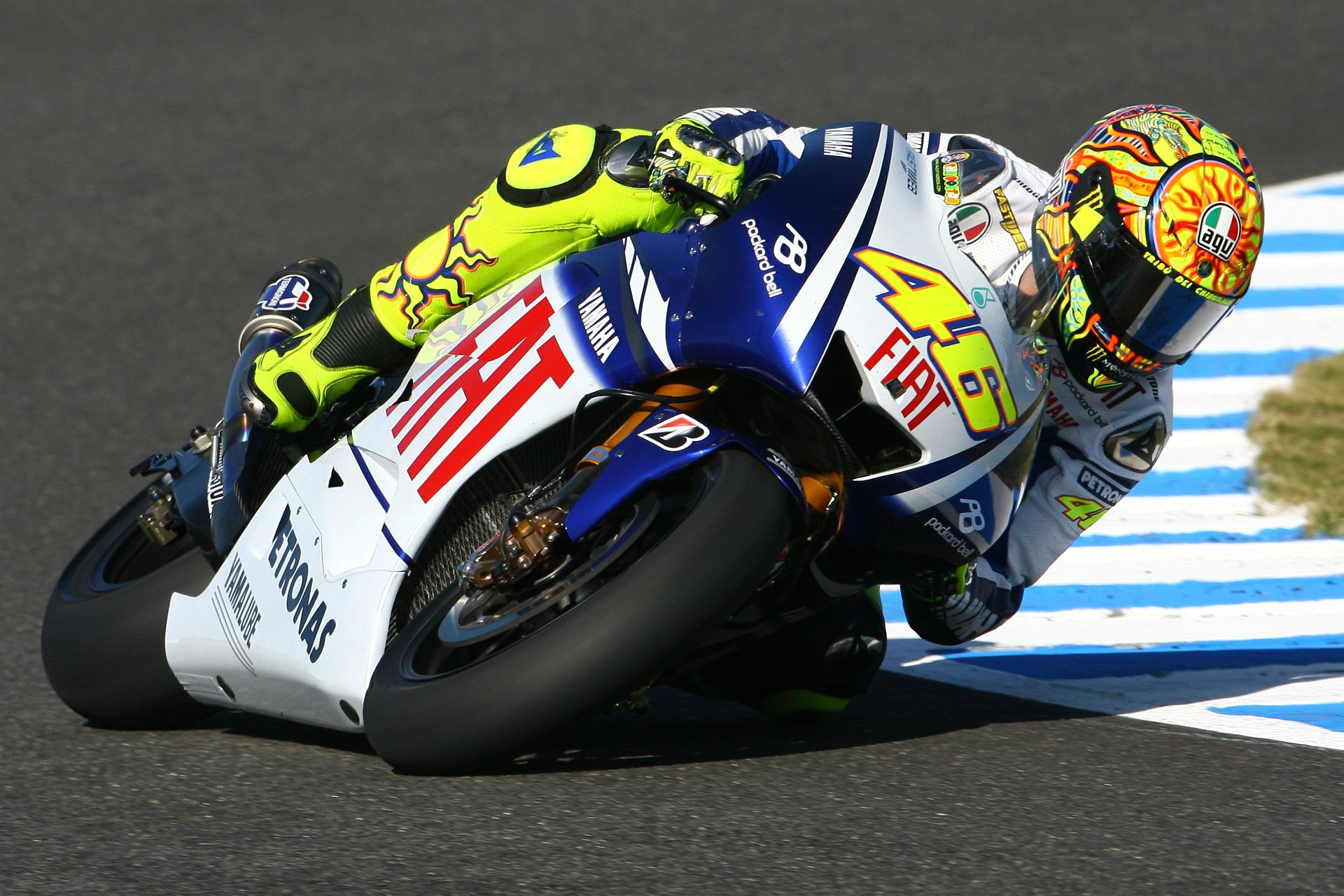 Wallpaper Valentino Rossi 35 Wallpapers Adorable Wallpapers